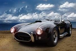 黒色スポーツカー