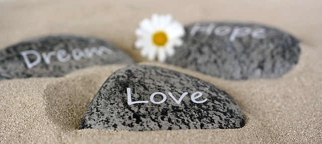 石に刻んだ文字